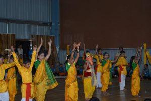 GROUP DANCES (11)