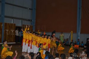 GROUP DANCES (13)