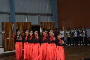 GROUP DANCES (24)